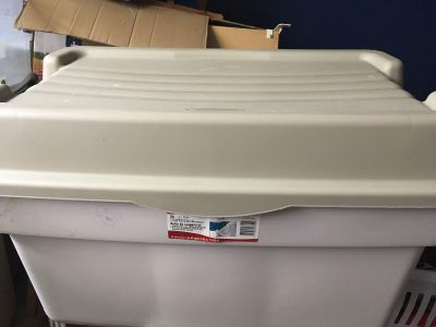 Large Rubbermaid storage bin. Lid is hinged. EUC. Cross Posted. Dimensions in 2nd pic. $10
