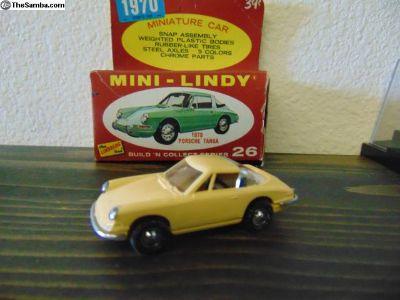 Mini-Lindy # 26 1970 Porsche 911 Targa