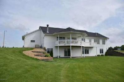 24752 665th Avenue Alden, Walkout ranch style home on