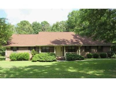 3 Bed 2 Bath Foreclosure Property in Macon, GA 31220 - Canwood Dr
