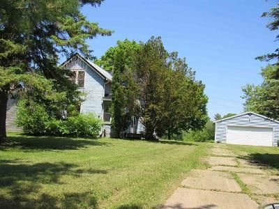 2 Bed 2 Bath Foreclosure Property in Brillion, WI 54110 - Horn St