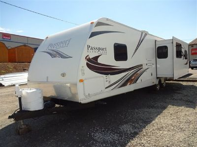 2012 Passport 3181RE Rear Entertainment Travel Trailer