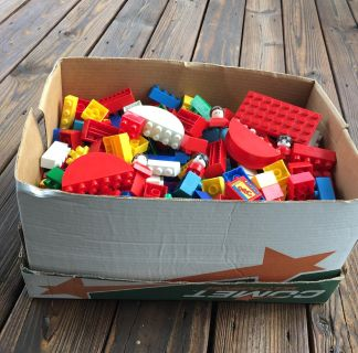 "PRINTER PAPER BOX OF ""DUPLO LEGO"" TYPE BLOCKS -- HOURS OF IMAGINARY BUILDING FOR YOUNG MINDS -AGES 1.5 -5- OVER 400 pcs !!"