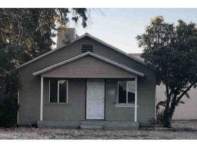2 Bed 1 Bath Preforeclosure Property in Tulare, CA 93274 - E Sierra Ave