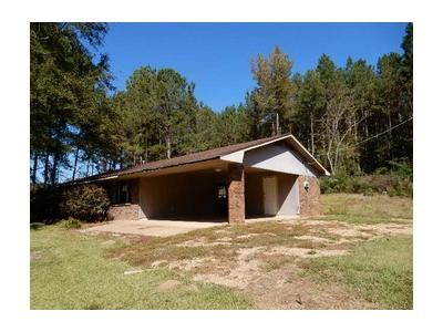 3 Bed 1 Bath Foreclosure Property in Raleigh, MS 39153 - Highway 18 E