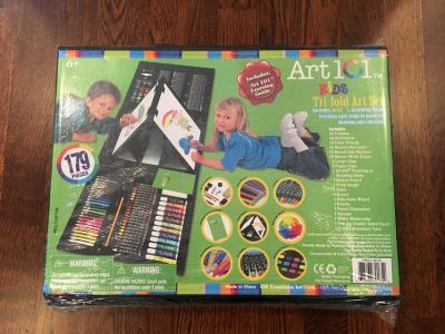 TONS OF ART SUPPLIES! - NEW 179-Piece Double Sided Trifold Easel Art Set