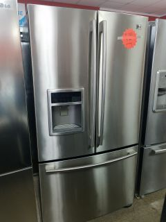 LG French doors stainless steel refrigerator excellent