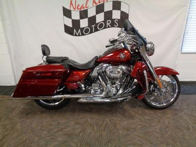 2013 Harley-Davidson FLHRSE5 - CVO™ Road King (Burgundy Blaze With Hot Fusion)