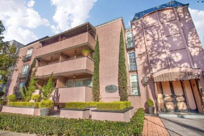 For Sale: 2 Bed 2 Bath condo in Studio City for $630,000