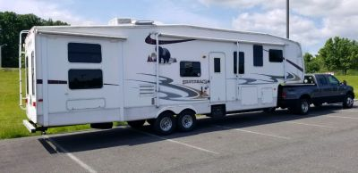 2008 Forest River CEDAR CREEK SILVERBACK 35L4QB