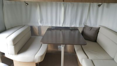2017 Airstream Flying Cloud 25FB Queen