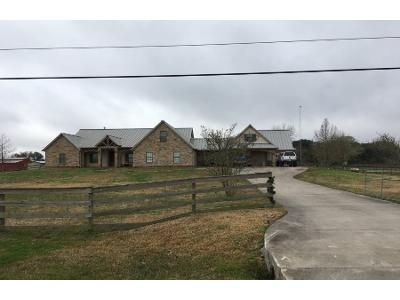 4 Bed Preforeclosure Property in Alvin, TX 77511 - Hastings Field Rd.
