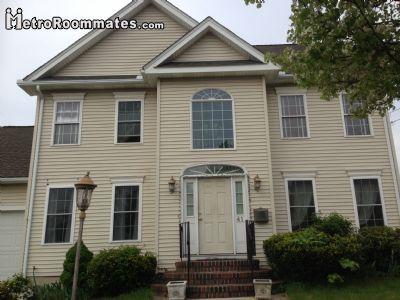 $700 5 single-family home in Everett
