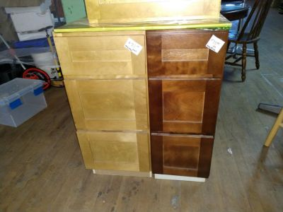 Kitchen Cabinet and Kitchen Drawers