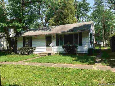 218 W Wait St CERRO GORDO, Two BR home in need of