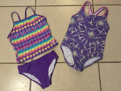 Lot of 2 Girl Size 8/10 Swimming Suits EUC