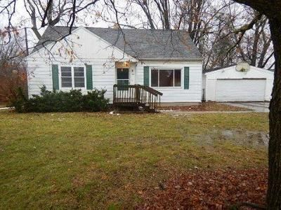 4 Bed 1 Bath Foreclosure Property in Lansing, MI 48917 - N Willow Hwy