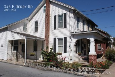 Adorable duplex in Hershey with gas heat and fireplace in kitchen!