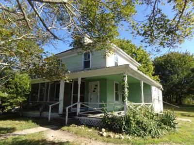 3 Bed 1 Bath Foreclosure Property in Buzzards Bay, MA 02532 - Sandwich Rd