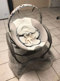 Graco Baby Swing Glider - very clean, lightly used