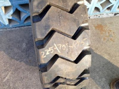 225/75R15 / 28x9R15 Michelin XZM Bobcat Skid Steer Forklift Tires