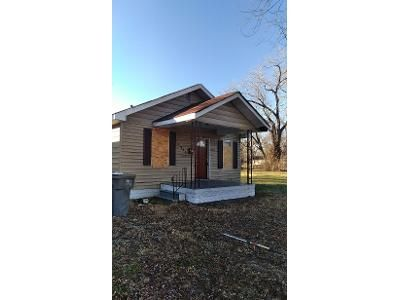 2 Bed 1 Bath Foreclosure Property in East Saint Louis, IL 62204 - N 59th St