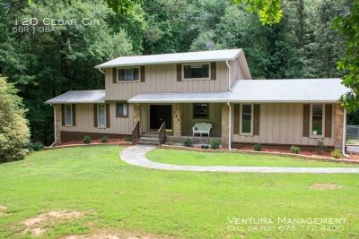 Spacious Fully Furnished 3 Level Home in Fayetteville with Guest Suite & Jacuzzi!