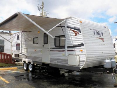 ~~2012 JAY FLIGHT SWIFT~~ONE SLIDE~~LARGE BUNKS~~ELECTRIC AWNING~~