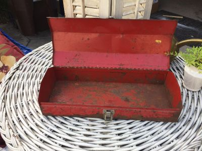Chippy RED metal tool box