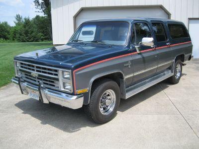 1987 Chevrolet R20 Suburban