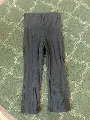 Capri Black Yoga Pants