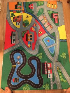 Kids Roads/railroad car rug. Great used cond bought last xmas!