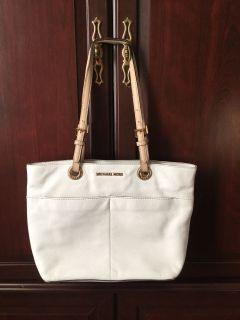 White LEATHER Michael Kors Purse ~ Beautiful ~ Excellent Condition
