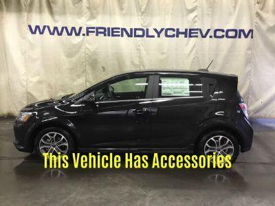 2019 Chevrolet Sonic LT (mosaic black metallic)