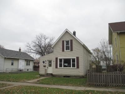 4 Bed 1 Bath Foreclosure Property in Davenport, IA 52802 - Jackson Ave