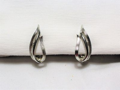 """Vintage Silver Tone Sarah Coventry Clip On Earrings Swirl Drop Dangle 1"""""""