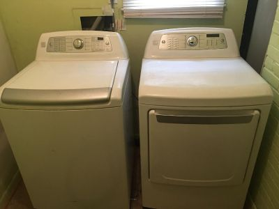 Kenmore Elite set - washer and gas dryer
