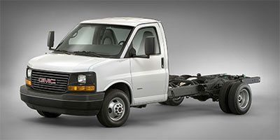 2017 GMC Savana Commercial Cutaway Work Van (Summit White)