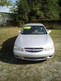 2001 Nissan Altima GLE ()