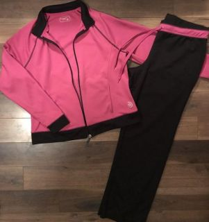 Women s Outfit Size Large