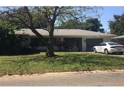 2 Bath Preforeclosure Property in Clearwater, FL 33765 - S Arcturas Ave