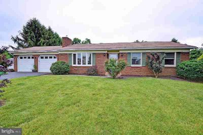 54 Scout Ln HUMMELSTOWN, Beautifully updated Three BR