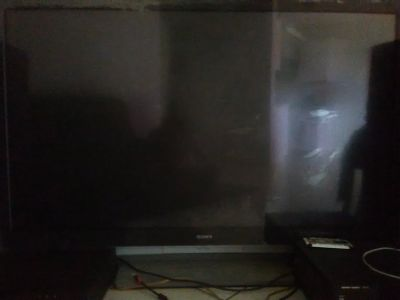 70 inch. Sony projection tv. Screen and picture is bright and vibrant, but no sound n no time to...