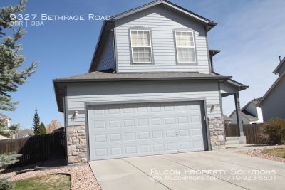 Cute 3 bedroom 2.5 bath home in Woodmen Hills  Available June 12!