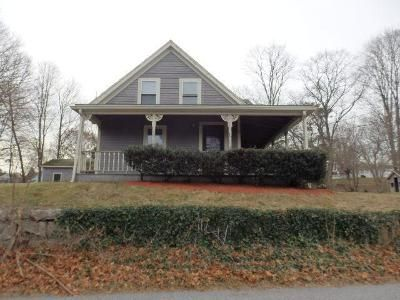 4 Bed 2 Bath Foreclosure Property in East Weymouth, MA 02189 - Lorraine St