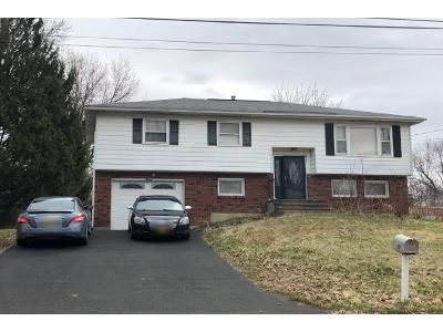 4 Bed 2 Bath Preforeclosure Property in Latham, NY 12110 - Fairlawn Dr