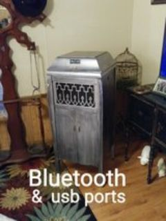 Bluetooth upcycled Victrola