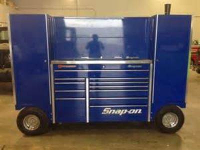 huge snap on tool wagon