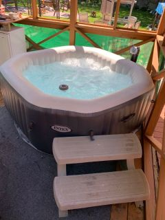 Intex inflatable hot tub with extras
