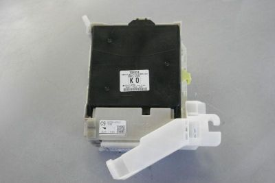 Sell 12 PRIUS INTERIOR FUSE BOX WITH BODY MULTIPLEX COMPUTER 89221-47260 motorcycle in Sacramento, California, US, for US $150.00